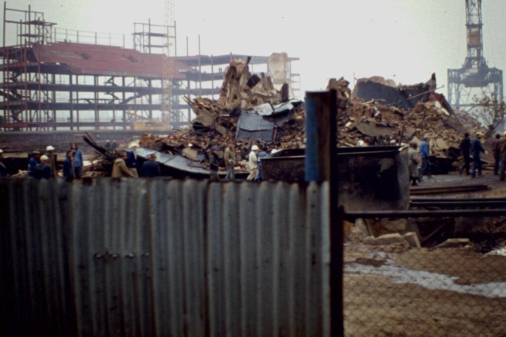 Gesprengtes Gebäude.